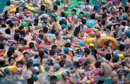 crowded-pool2.jpg